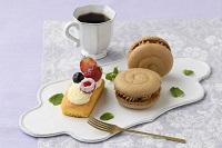 【洋菓子】ベイクドチーズケーキ、キャラメルバナナマカロン