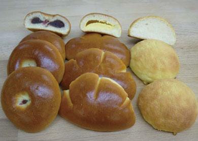 菓子パン(あんぱん・クリームパン・アーモンドクリーム)