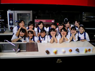 NHK『クイズ100人力』に本校 製菓技術学科 1、2学年在校生が参加いたしました!