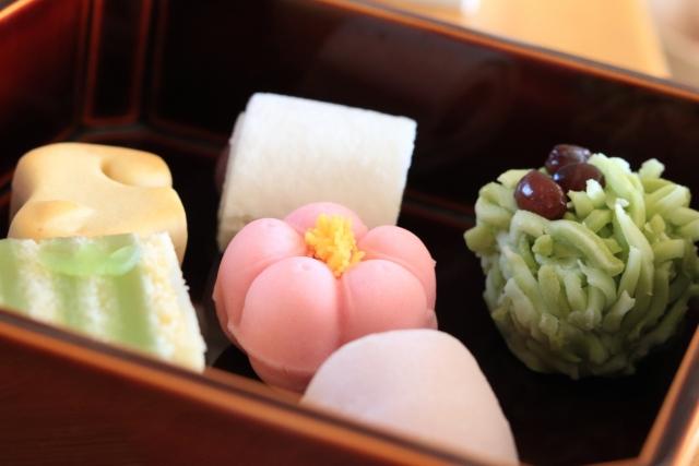 和の心を伝える『和菓子職人』になるには?老舗の多い東京の製菓学校で学べること