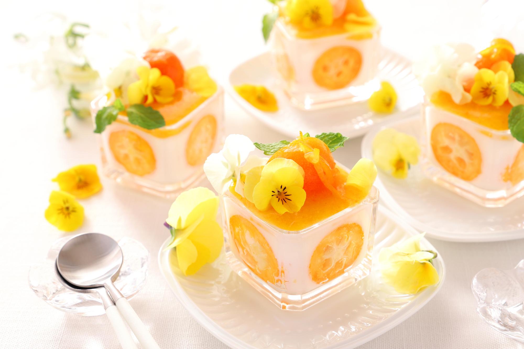 スイーツが可愛く変身!食べられるお花、エディブルフラワー